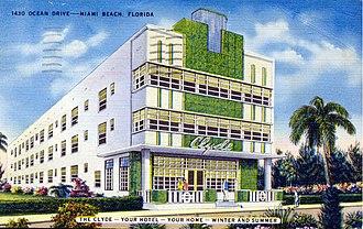 Moderne architecture - 1430 Ocean Drive, Miami Beach, Florida, on a c. 1940 postcard.
