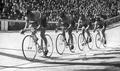 Équipe de France de poursuite vice-championne olympique à Melbourne (Michel Vermeulin, Jean Graczyk, Jean-Claude Lecante et René Bianchi.).png