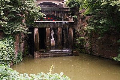 Грот Фетіди зі скульптурою Венери Медиційської.jpg