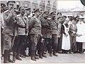 Деникин на Николаевской площади Харькова июнь 1919.jpg