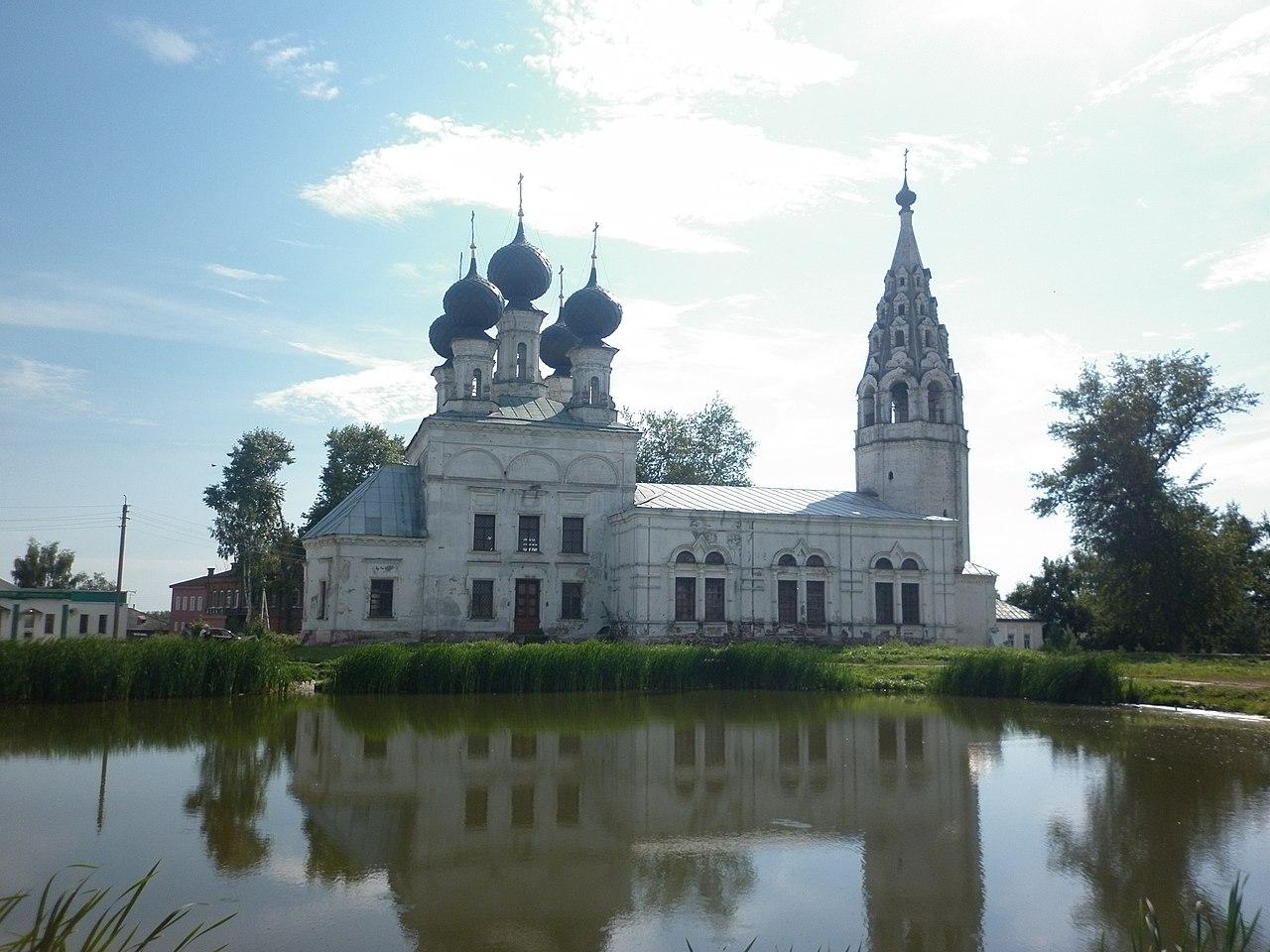 Церковь в селе Сусанино в Костромской области.jpg