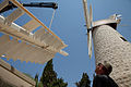 טחנת הרוח בעת שיחזורה.jpg