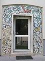 1180 Czartoryskigasse 62-68 Stg 4 - Tormosaik Heimische Tiere und Pflanzen von Hans Stockbauer IMG 5329.jpg