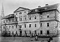 1886 Das ehemalige Elisabethhospital in Marburg vor dem Abbruch.jpg