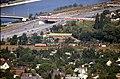 196R28180890 Donauturm, Blick vom Donauturm, Floridsdorferbrücke Abfahrten, Donauuferautobahn, Güterzug, Siedlung Bruckhaufen.jpg