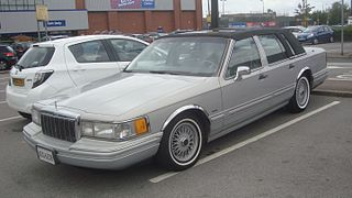 1991 Lincoln Town Car Signature Series