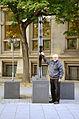 2014-08-27 Dipl.-Ing. Helmut Konietzny am Leibniz-Denkmal in Hannover, (05).JPG