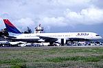 228bw - Delta Air LinesBoeing 757-232, N665DN@SXM,22.04.2003 - Flickr - Aero Icarus.jpg