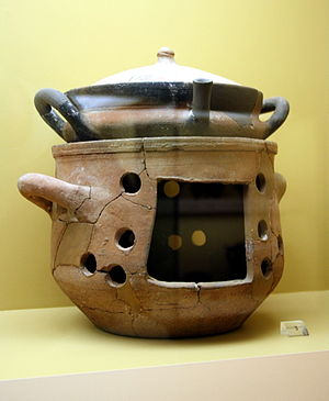 Cookware and bakeware - Ancient Greek casserole and brazier, 6th/4th century BC, exhibited in the Ancient Agora Museum in Athens, housed in the Stoa of Attalus.