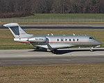 9H-VCA Bombardier BD-100-1A10 Challenger 350 CL30 - VJT (16068219579).jpg
