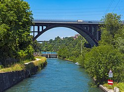 A4 Adda bridge and Naviglio Martesana, Trezzo sull'Adda, Italy.jpg