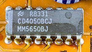 4000 series - CD4050B in DIP-16 package