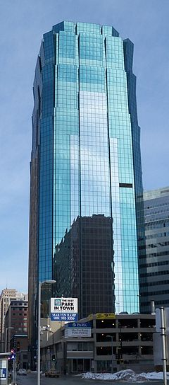 AT&T Tower Minneapolis 1.jpg