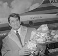 Aankomst Jean Marais op Schiphol, Bestanddeelnr 917-6465.jpg