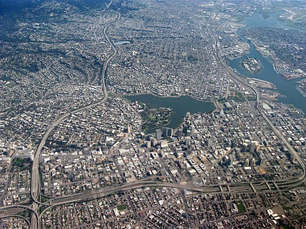 Aerial view of Downtown Aerial view of city of Oakland 1.jpg