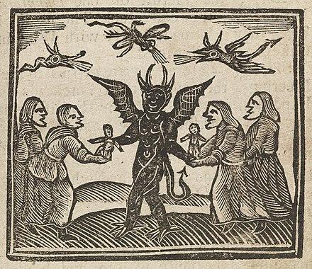 この画像は、1591年のアグネスサンプソンの裁判からのもので、魔女に魔法の人形を与える悪魔を描いています。