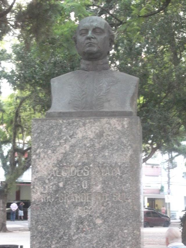 Alcides Maia