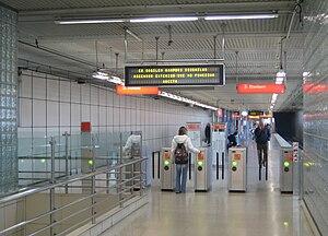 Algorta (Metro Bilbao) - Image: Algortako Metro geltokia barrena