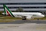Alitalia, EI-IMG, Airbus A319-112 (35723371606).jpg