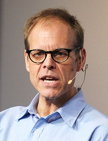 English: Alton Brown speaking at the Google Ca...