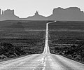 Approaching Monument Valley from the north (8226434408).jpg