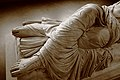Arianna dormiente - particolare della veste.JPG
