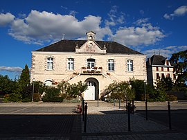 The town hall in Aunac