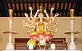 Autel dans une pagode de la montagne de marbre (Danang) (4412747533).jpg