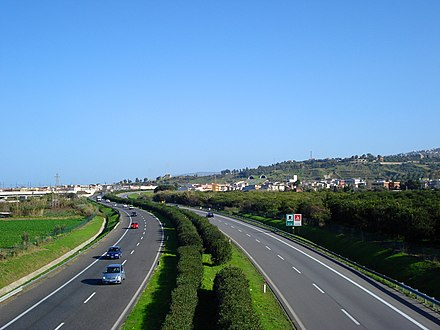 The A20 Messina-Palermo motorway near Torregrotta Autostrada A20 Torregrotta.jpg