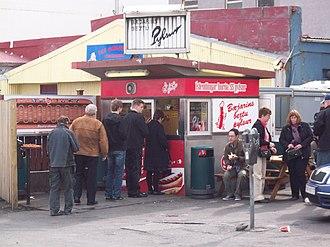 Hot dog stand - Image: Bæjarins bestu