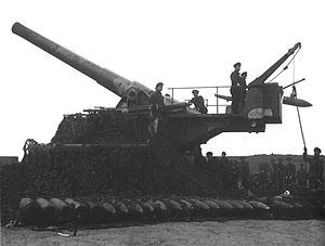 BL 9.2-inch railway gun - Camouflaged Mk XIII gun in action in France in World War I