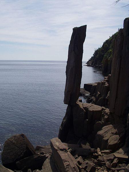 450px-Balancing_Rock.jpg