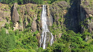 Bambarakanda Falls waterfall