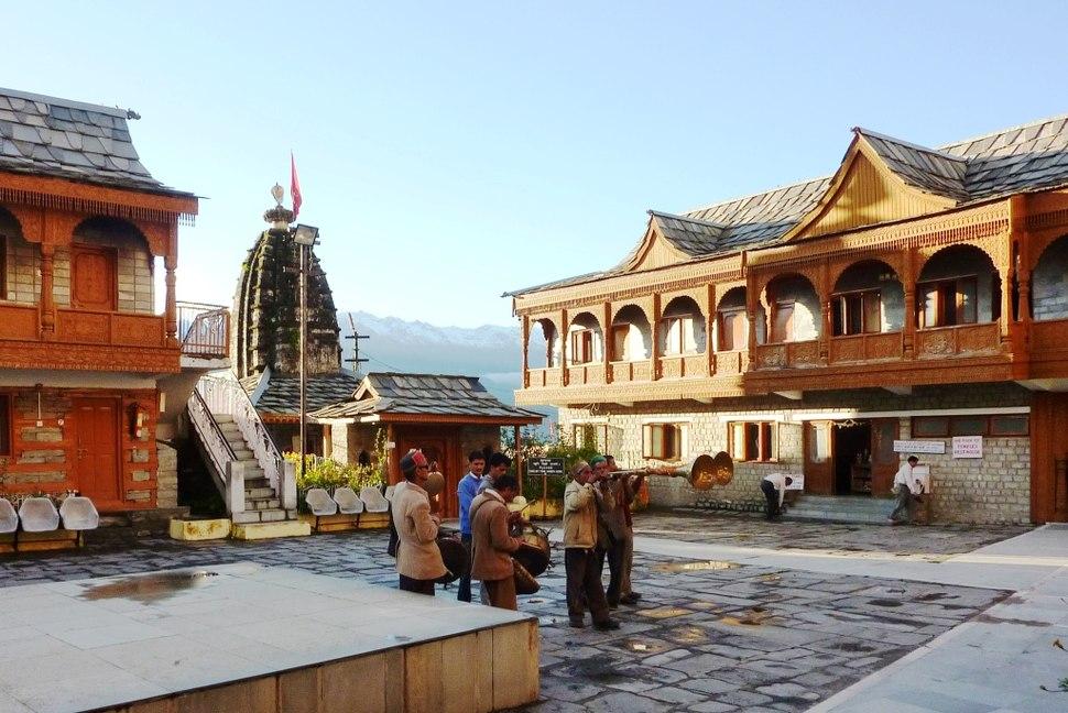 Band at Bimakali temple, Sarahan