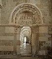 Basilique Sainte-Marie-Madeleine de Vézelay PM 46603.jpg