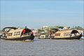 Bateaux de croisière individuelle sur le Bassac (Can Tho, Vietnam) (6642687103).jpg