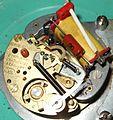 Batterieuhrwerk magnetischerAufzug Rensie.jpg