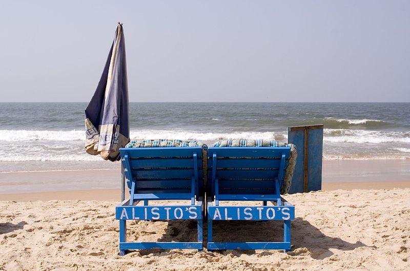 File:Beach chairs on the Calangute beach.jpg