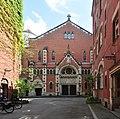 Berlin-Kreuzberg - Marthakirche courtyard pano 03.jpg