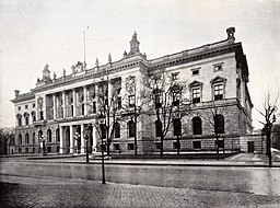 Abgeordnetenhaus, See page for author [Public domain], via Wikimedia Commons