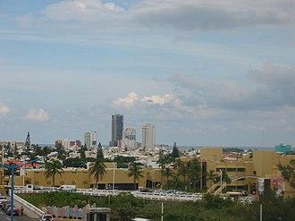 """Boca del Río, Veracruz - View of central Boca del Rio to the southwest, taken from the """"Puente de Amistad"""" (Friendship Bridge)"""