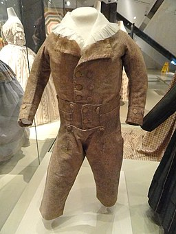 Boy's skeleton suit, Ireland, 1789-1792, Stormont ground printed with pinned roller on cotton tabby - Patricia Harris Gallery of Textiles & Costume, Royal Ontario Museum - DSC09464
