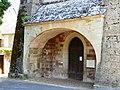 Bozouls église porche.jpg