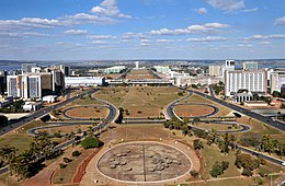 Brasilia Eixo Monumental July 2009.jpg