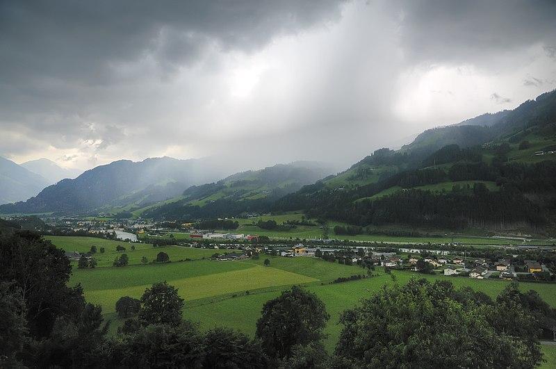File:Bui in Sankt Johann im Pongau (HDR) - panoramio.jpg