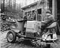 Bundesarchiv Bild 183-89014-0004, LPG Löbichau, Baubrigade im Einsatz.jpg