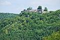 Burg Hohenurach gesehen vom Runden Berg (1).jpg
