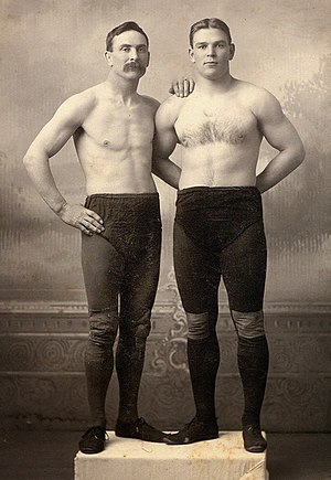 Frank Gotch - Gotch (right) with mentor Martin Burns