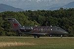 C-FLMK Bombardier CL-600-2B16 Challenger 605 CL60 - HRT (21052935399).jpg