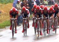 Team CSC in the 2004 TTT.